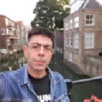 subrealmrs uit Zuid-Holland,Nederland